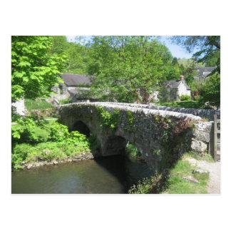 Carte postale avec le pont en pierre au-dessus du
