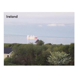 Carte Postale Bateau ancré à la baie de Tralee, Cie. Kerry,