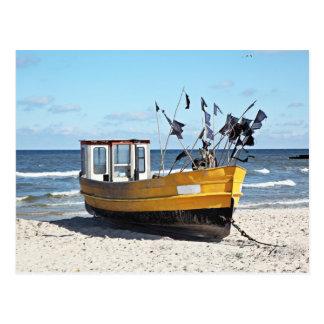 Carte Postale Bateau de pêche à un rivage