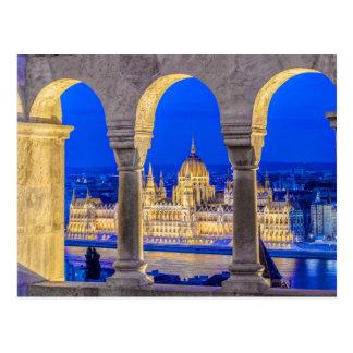 Carte Postale Bâtiment hongrois du Parlement au crépuscule