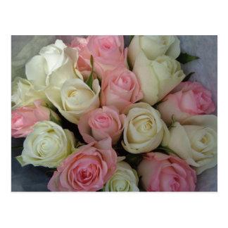 Carte Postale Beau bouquet rose de fleur de roses blancs
