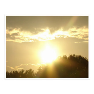 Carte Postale Beauté dans un lever de soleil
