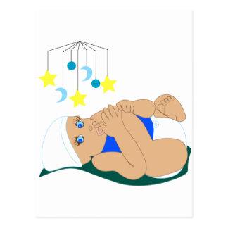 Carte Postale Bébé suçant l'orteil