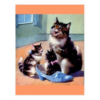 Carte Postale Chatons avec le chat de mère et une chaussure
