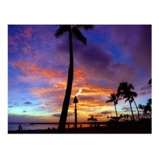 Carte Postale Cieux flamboyants au-dessus de plage de Waikiki
