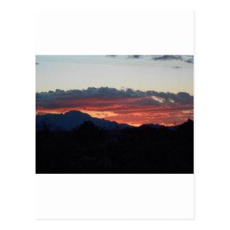 Carte Postale Coucher du soleil de désert avec des collines