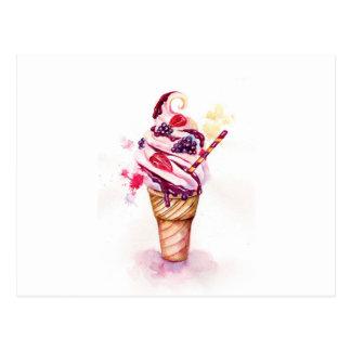 Carte Postale Crème glacée avec la fraise et la mûre