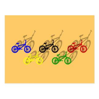 Carte Postale Cycliste de recyclage de cendrée de bicyle de