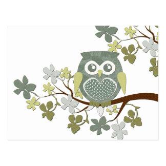 Carte postale de hibou d'arbre de polka
