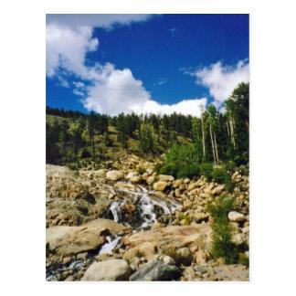 Carte postale de montagne rocheuse