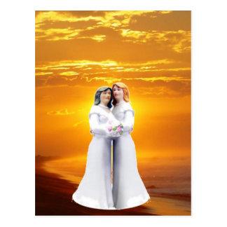 Carte Postale Deux jeunes mariées au coucher du soleil