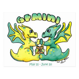 Carte Postale dragon d'ailes de zodiaque mignon de Gémeaux petit