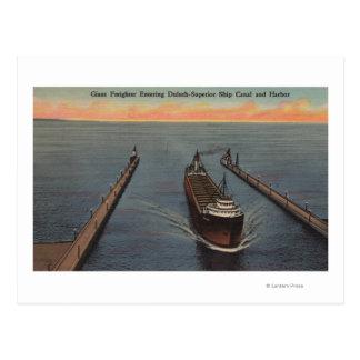 Carte Postale Duluth, manganèse - vue de bateau entrant de cargo