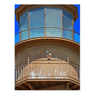 Carte Postale Eagle chauve sur le rail de phare