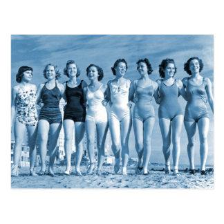 Carte Postale Écrous surfants de plage de rétro kitsch vintage