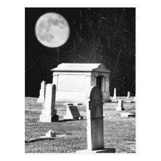 Carte postale éffrayante de cimetière