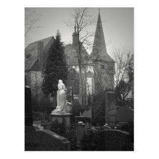 Carte Postale Église et cimetière de village