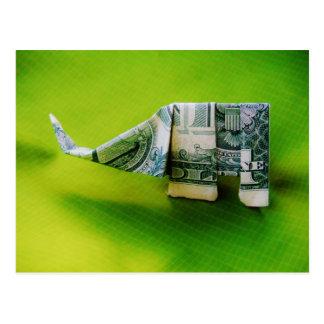Carte Postale Éléphant d'origami de billet d'un dollar sur