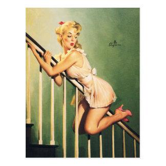 Carte Postale En bas des escaliers - rétro fille Pin-