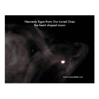 Carte postale en forme de coeur de lune.