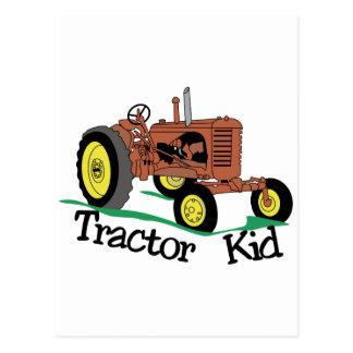 Carte Postale Enfant de tracteur