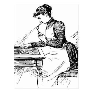 Carte Postale Femme à l'aide du vieil aerographe