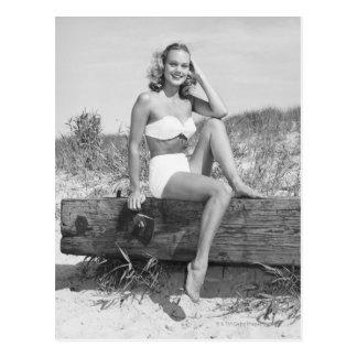 Carte Postale Femme dans le bikini