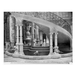 Carte Postale Fontaine sous les escaliers de l'hôtel De