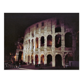 Carte Postale Foules chez le Colosseum