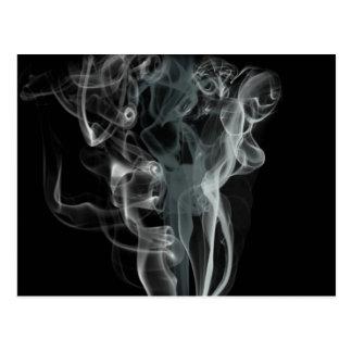 Carte Postale Fumée blanche sur l'arrière - plan noir