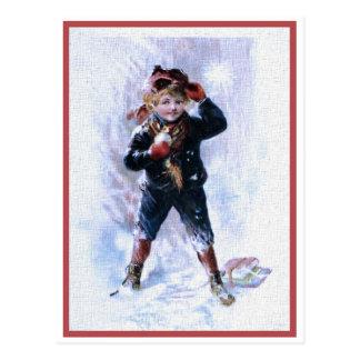 Carte Postale Garçon vintage jouant des boules de neige