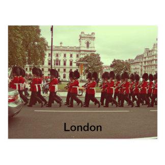 Carte Postale Gardes de marche au Palais de Buckingham