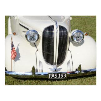 Carte Postale Gril classique de V8 des années 1930