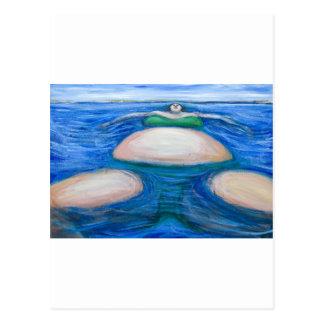 Carte Postale Grosse femme géante de flottement dans son Bik