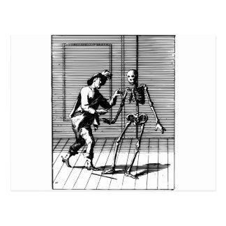 Carte Postale Homme proposant à un squelette