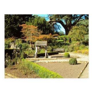 Carte Postale Jardin dans la colonie de freux, terrain communal