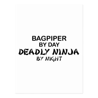Carte Postale Joueur de cornemuse Ninja mortel par nuit
