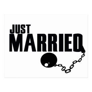 Carte Postale Juste boule et chaîne mariées