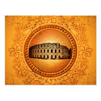 Carte Postale Le Colosseum sur un bouton avec les éléments