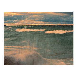 Carte Postale Le lac Supérieur - coucher du soleil orageux