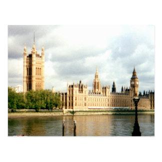 Carte Postale Le Parlement, Big Ben, paysage de la Tamise