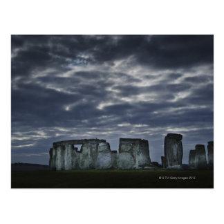Carte Postale Le R-U, Stonehenge, vue pittoresque à l'aube