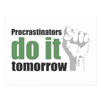 Carte Postale Les Procrastinators le font demain