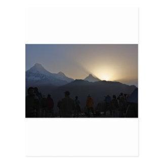 Carte Postale Lever de soleil au-dessus des montagnes