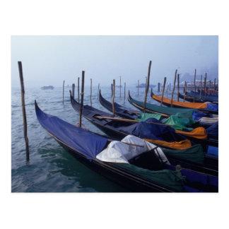Carte Postale L'Italie, Venise. Gondoles