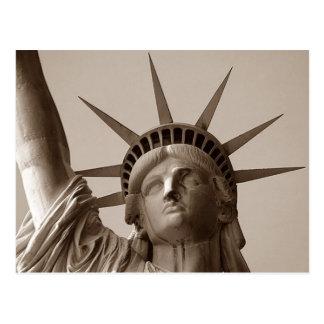 Carte Postale Madame Liberty en statue de sépia de PC de la