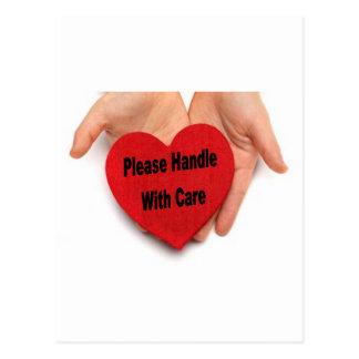 Carte Postale Manipulez svp avec des mains de Valentine de soin