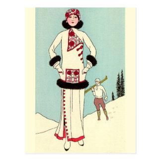 Carte Postale Manteau blanc avec l'équilibre de mouffette par