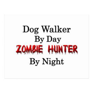 Carte Postale Marcheur de chien/chasseur de zombi