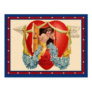 Carte Postale Marque vintage de cupidon d'affection à un coeur